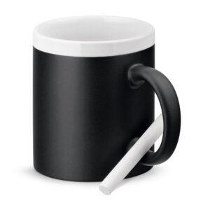 taza de cerámica con pizarra con borde blanco