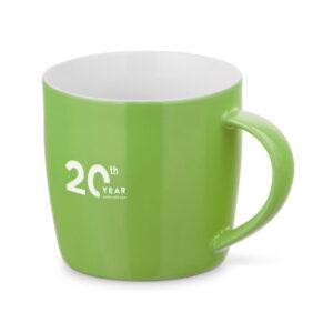Taza personalizada baja de color verde con logo