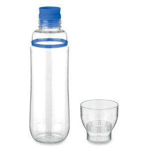 Botella con vaso transparente y detalle de color azul